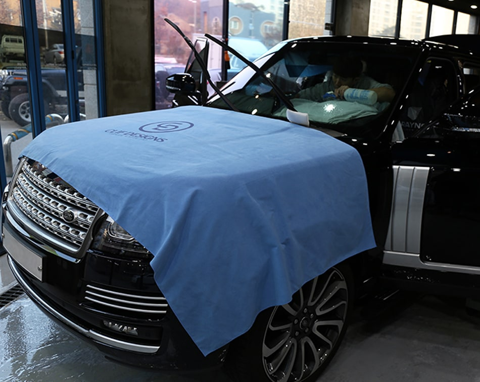 Microfiber suede drop close for car paint protection film working